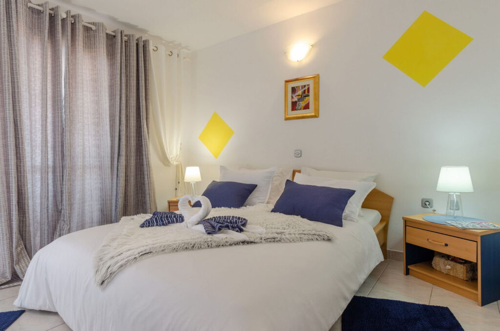 summeronkorcula apartment gariful bedroom 09 2020 pic 03 1024x678