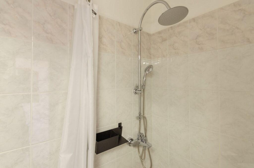 summeronkorcula apartment mimoza bathroom 09 2020 pic 02 1024x678