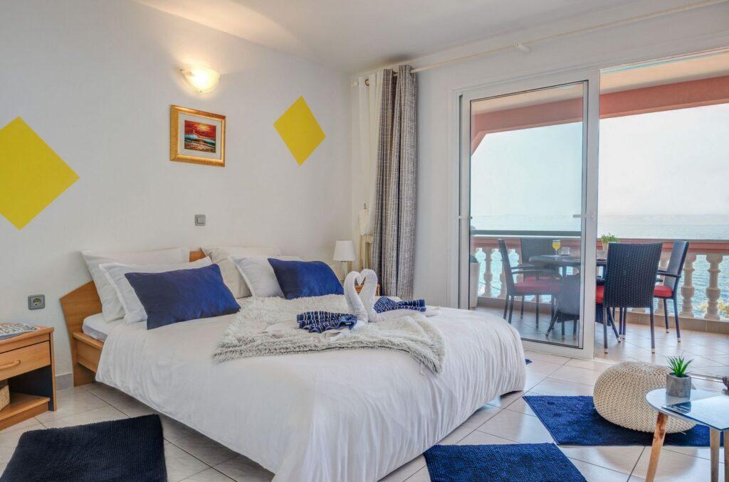 summeronkorcula apartment mimoza bedroom 09 2020 pic 01 1024x678