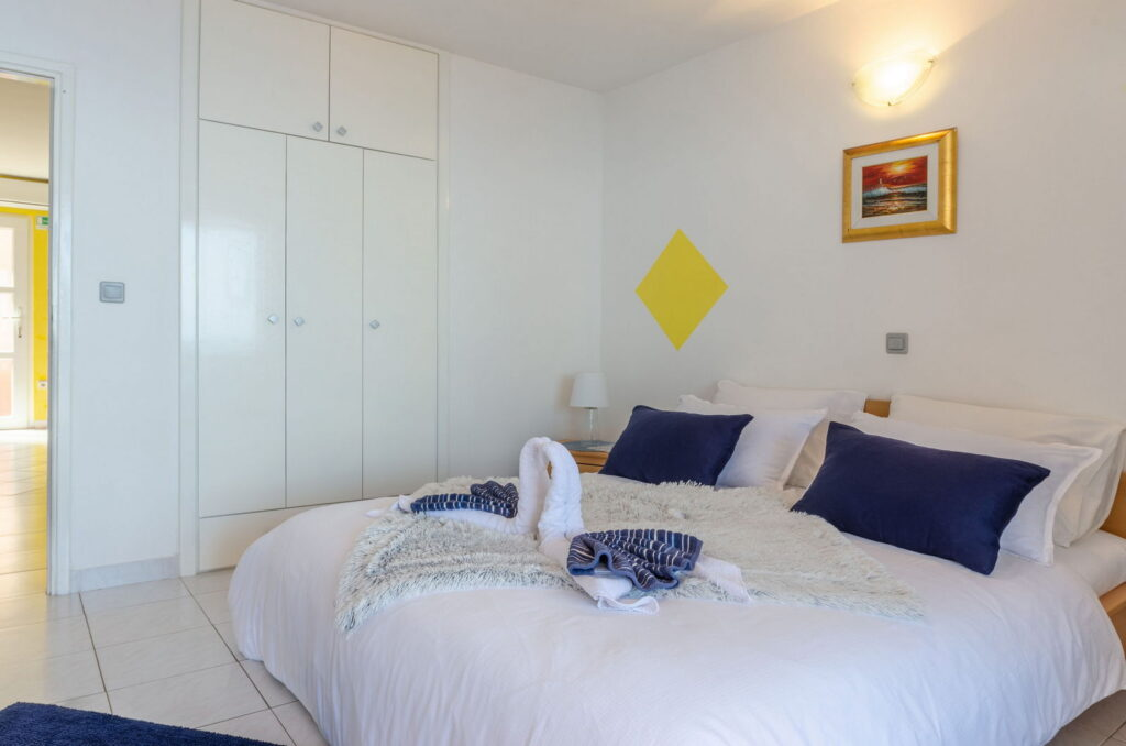 summeronkorcula apartment mimoza bedroom 09 2020 pic 05 1024x678