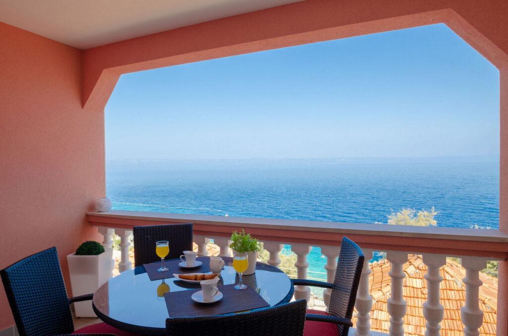 summeronkorcula apartment mimoza terrace 09 2020 pic 02 1024x678