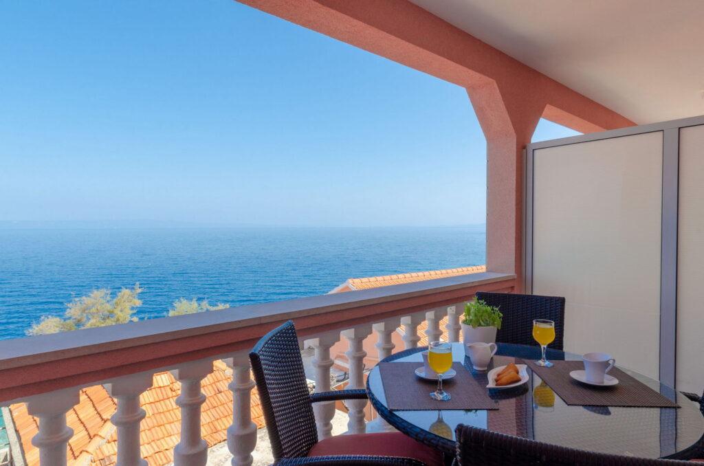 summeronkorcula apartment mimoza terrace 09 2020 pic 03 1024x678