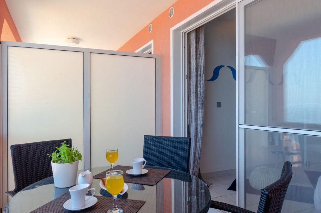 summeronkorcula apartment mimoza terrace 09 2020 pic 06 1024x678