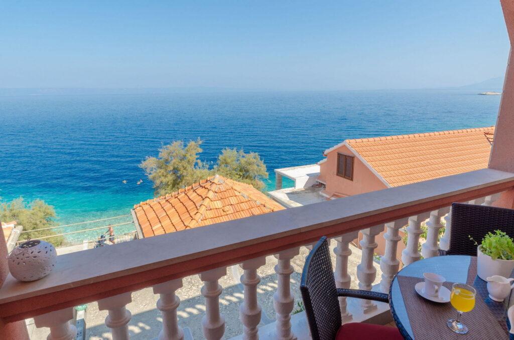 summeronkorcula apartment mimoza terrace 09 2020 pic 07 1024x678