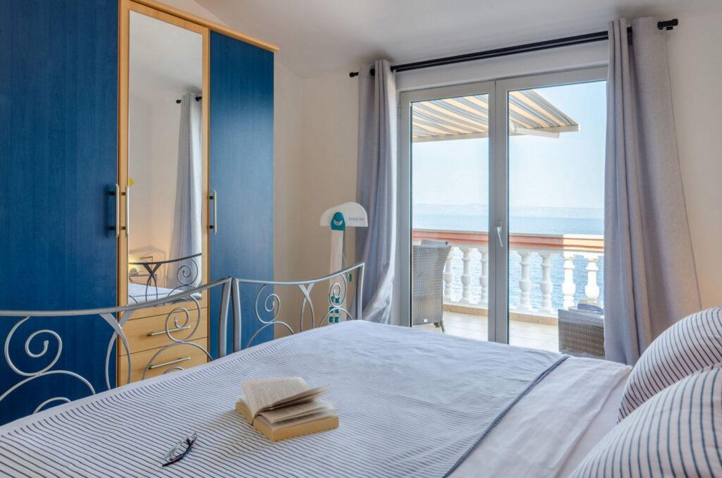 summeronkorcula apartment ruzmarin bedroom1 09 2020 pic 06 1024x678