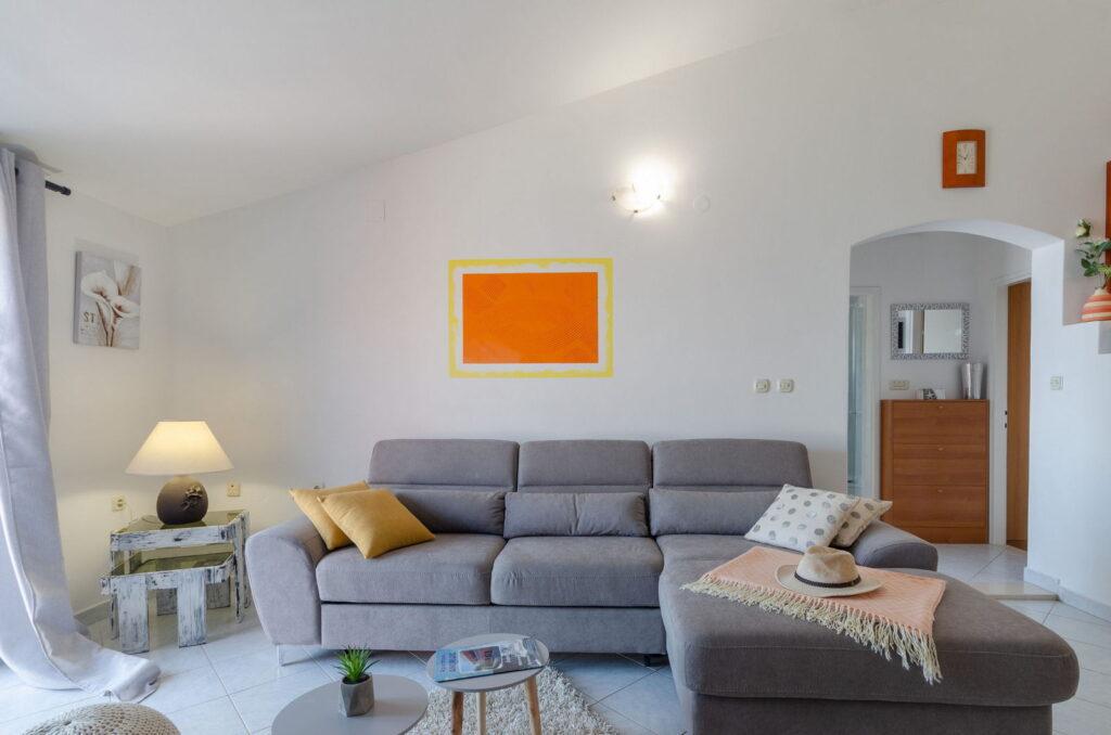 summeronkorcula apartment ruzmarin livingroom 09 2020 pic 02 1024x678