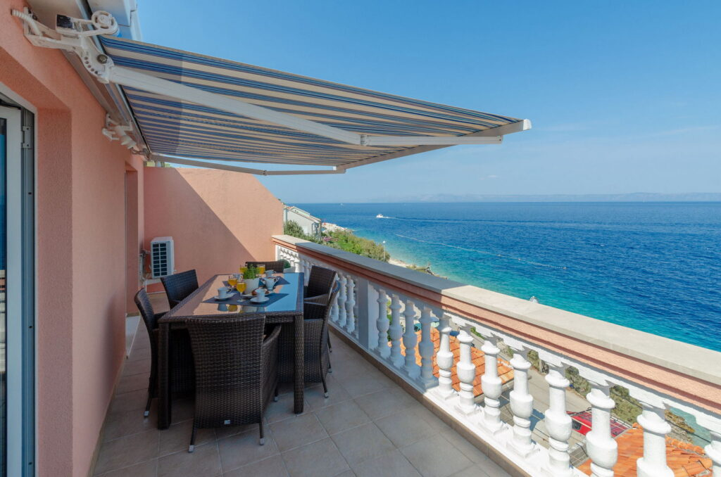 summeronkorcula apartment ruzmarin terrace 09 2020 pic 03 1024x678