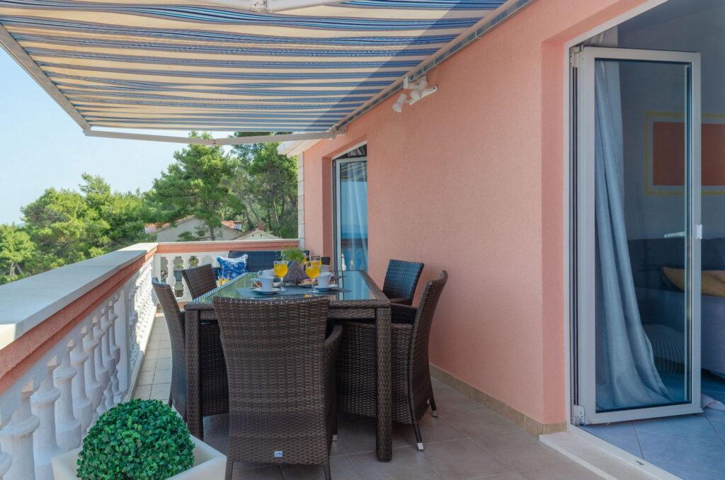 summeronkorcula apartment ruzmarin terrace 09 2020 pic 14 1024x678